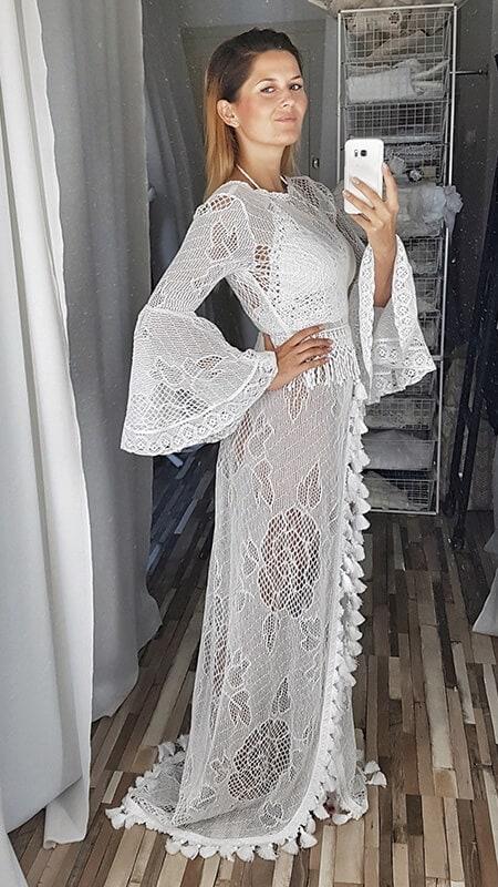 szydełkowa koronkowa suknia ślubna - bok