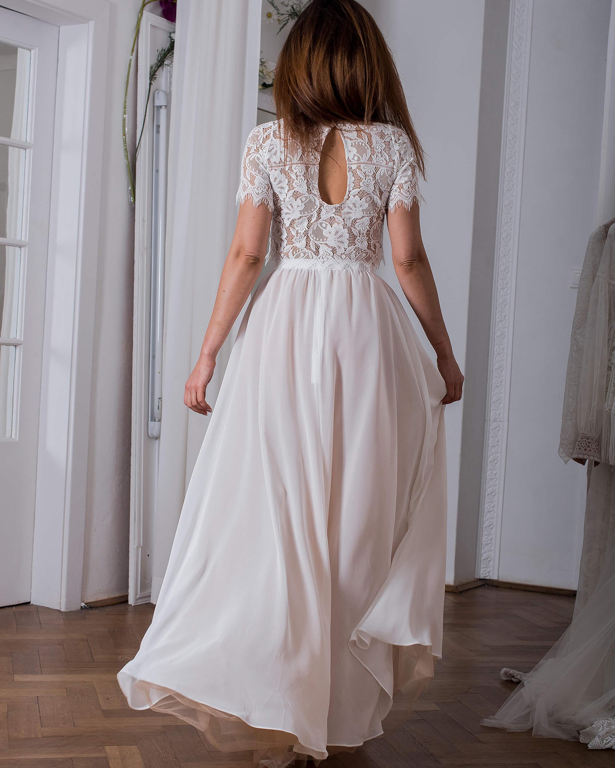 Koronkowa suknia ślubna model 23 kolekcja Porto