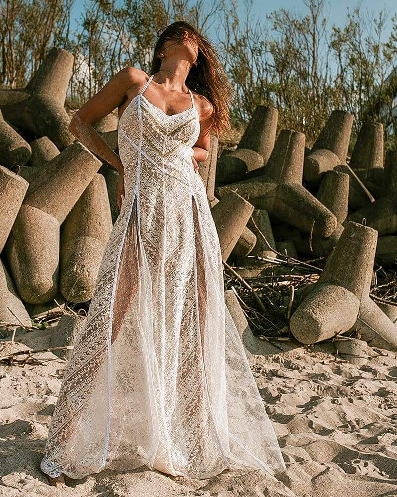 Suknia ślubna bez pleców Barcelona header Barcelona wedding dresses