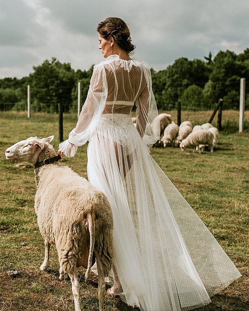 Suknia retro z długim rękawem Barcelona 14 header Barcelona wedding dresses