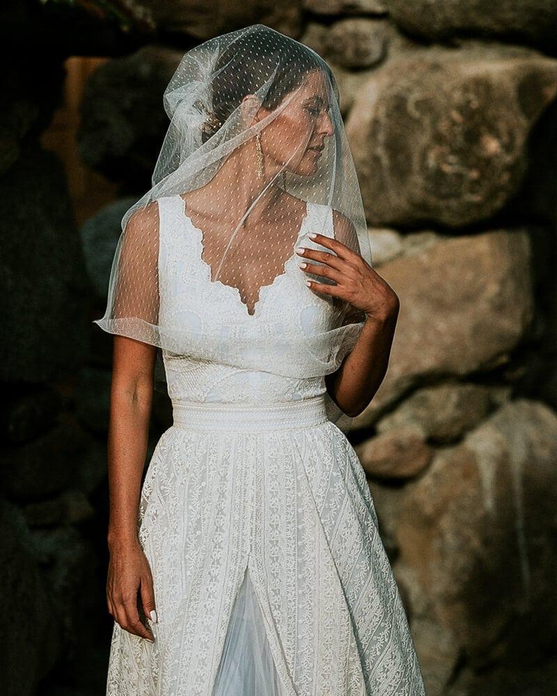 biała suknia ślubna szerokie ramiączka barcelona 4 header Barcelona wedding dresses