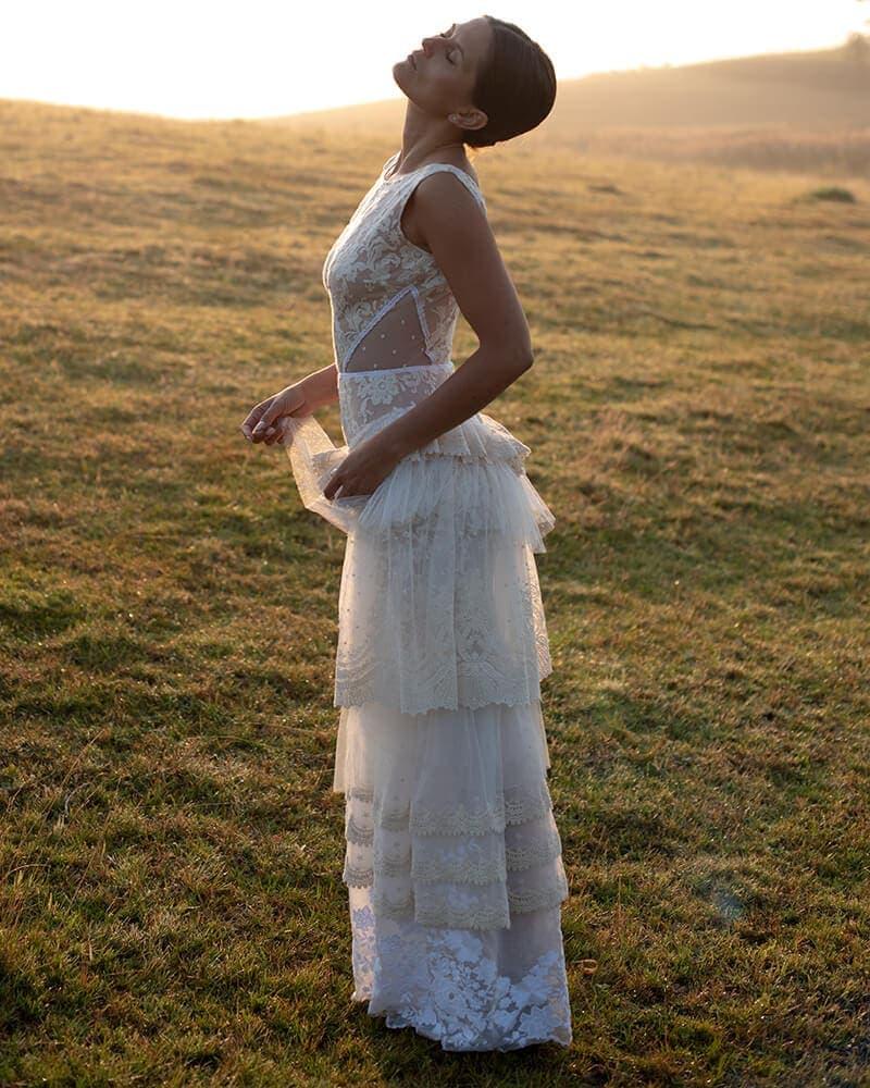 modna oryginalna suknia slubna barcelona 6 header Barcelona wedding dresses