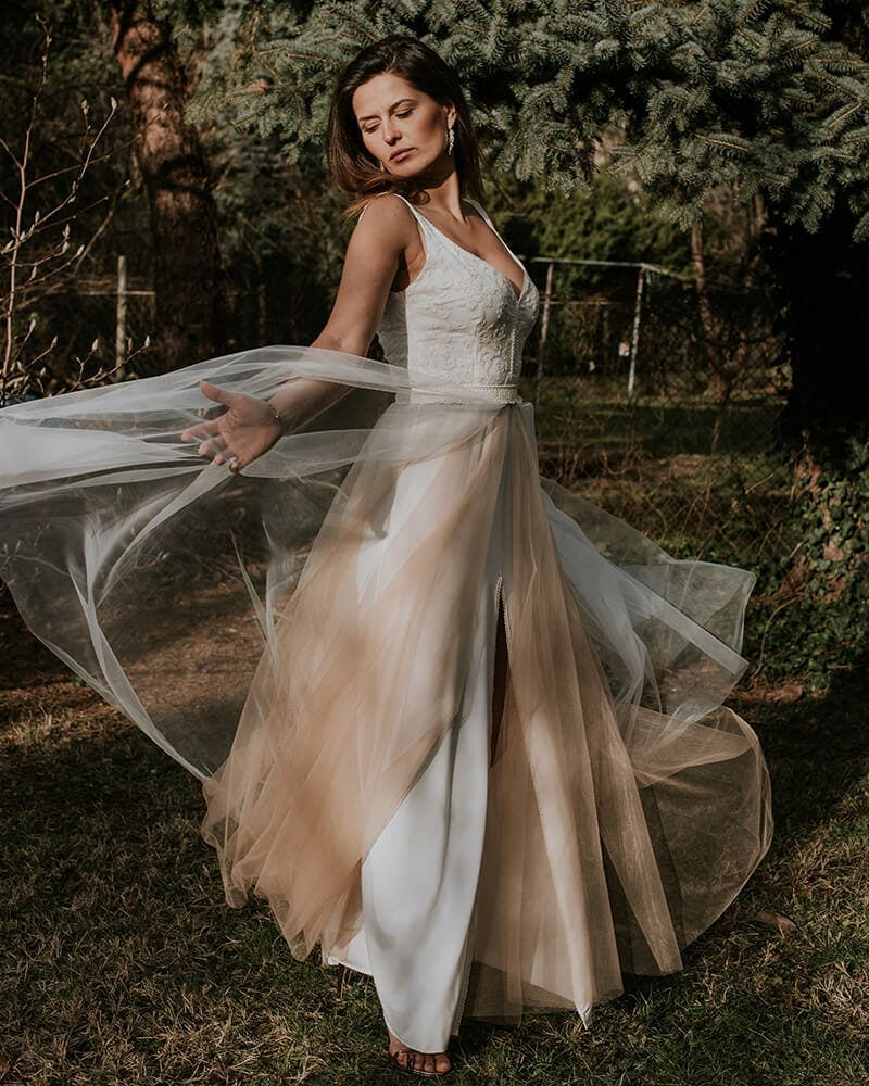 suknia ślubna ecru beżowa barcelona 17 header Barcelona wedding dresses