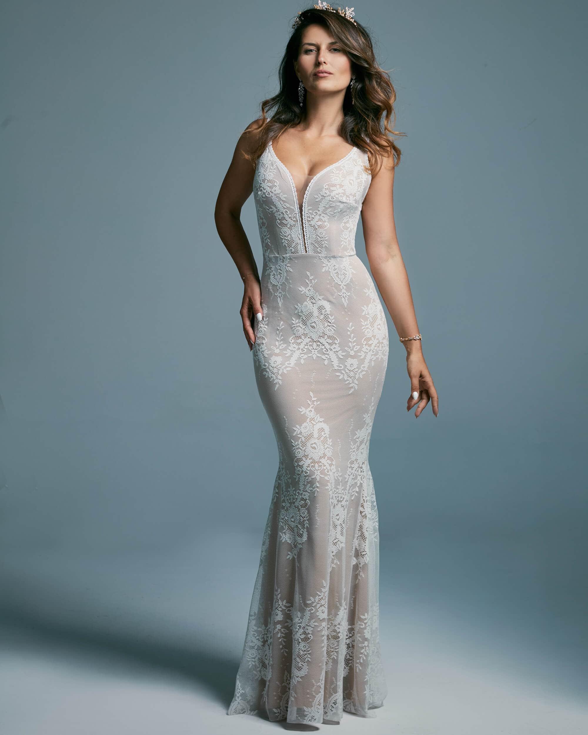 Suknia ślubna rybka podkreślająca kobiece kształty - Porto 42
