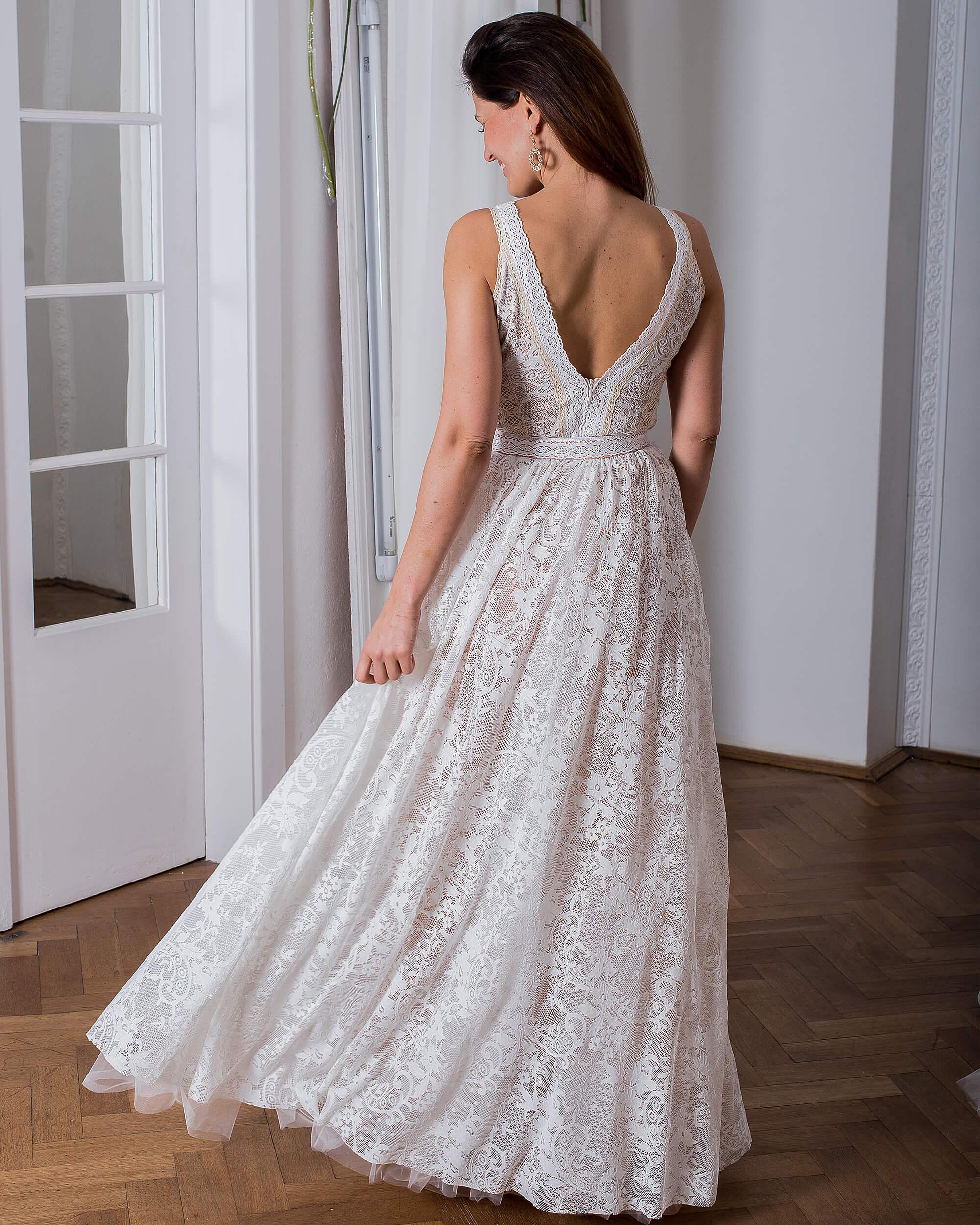 Koronkowa suknia ślubna model 1 kolekcja Porto