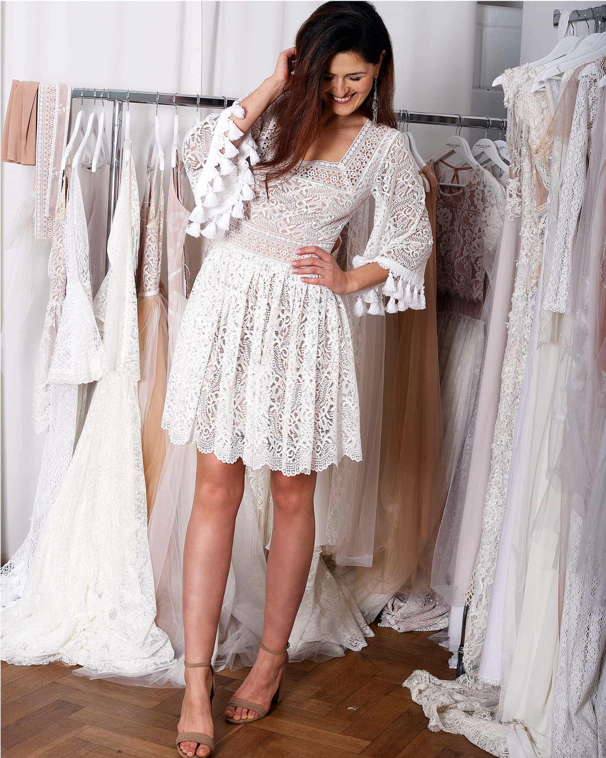 Koronkowa krótka suknia ślubna model 12 kolekcja Porto