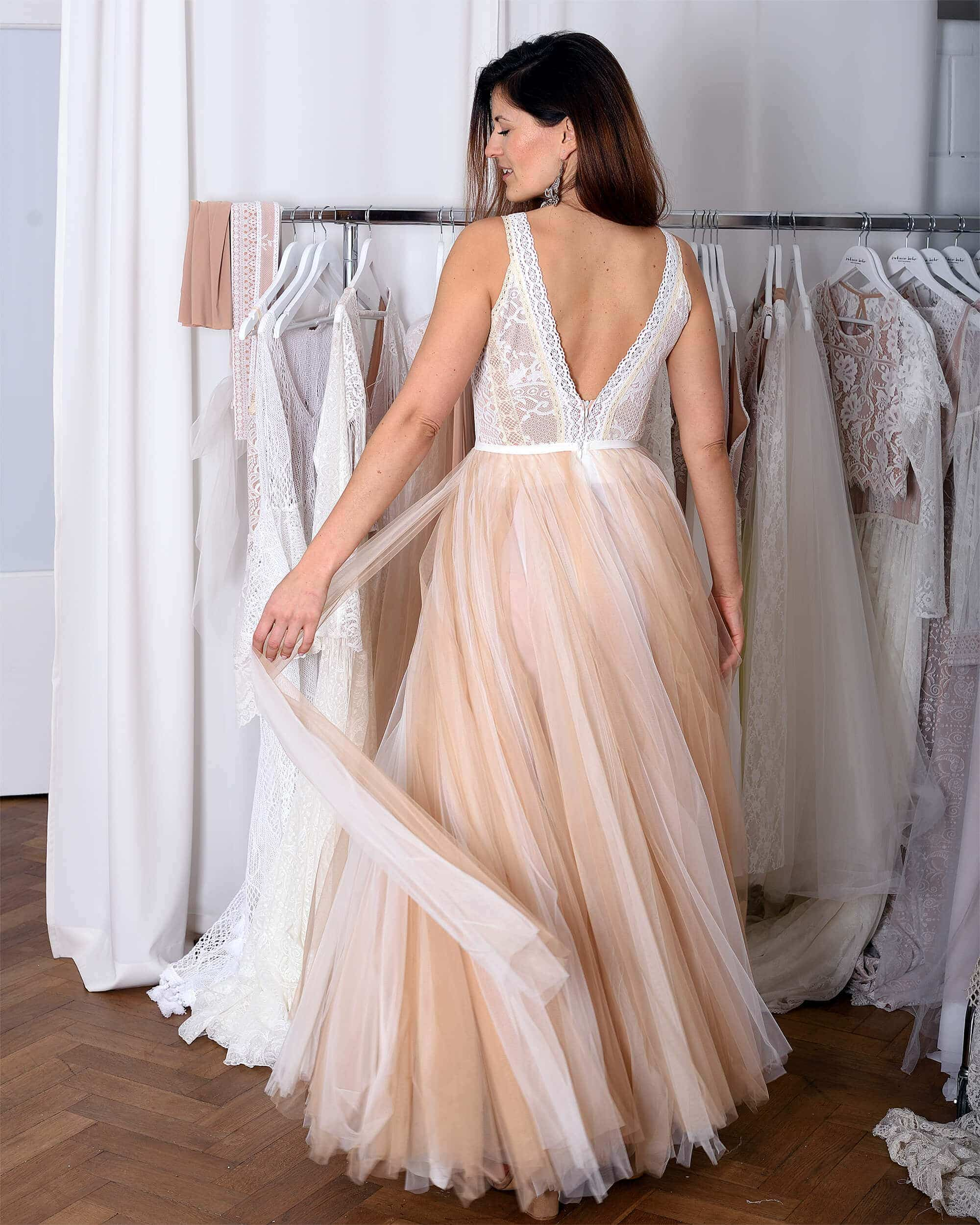 Wedding dress 13 from Porto collection. See beautiful wedding dresses