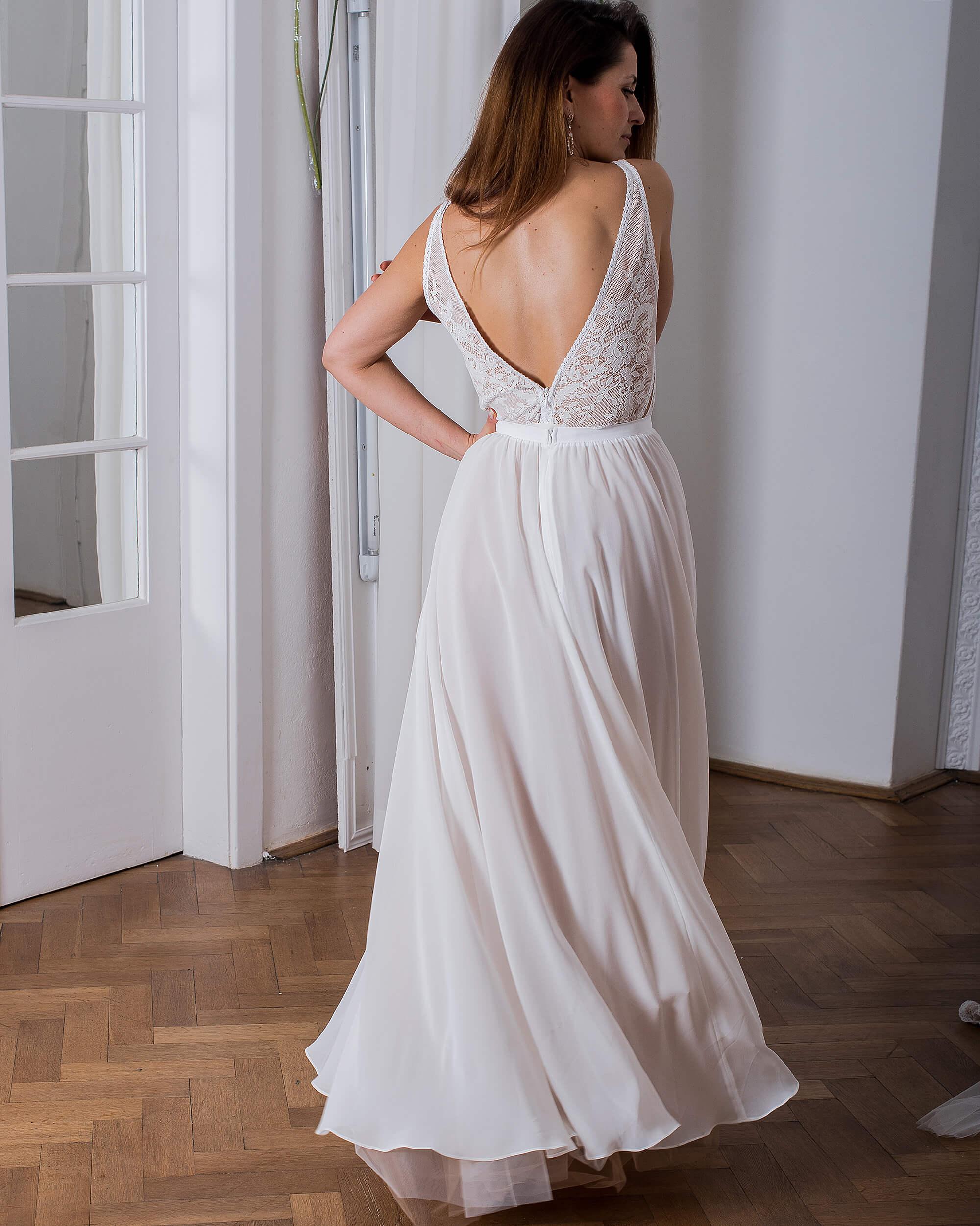 Suknia ślubna z szyfonową spódnicą model 9 kolekcja Porto