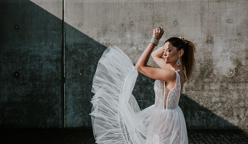 suknia ślubna z tiulową spódnicą About Marta Trojanowska