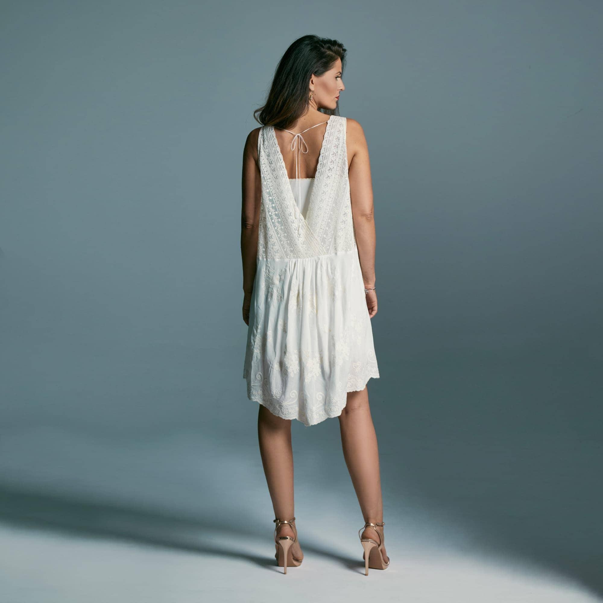Krótka sukienka wizytowa w stylu boho