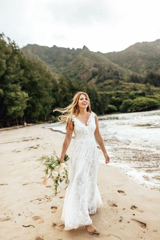 Magdalena palas suknia ślubna z pięknie wykończonym dekoltem p40 (1)