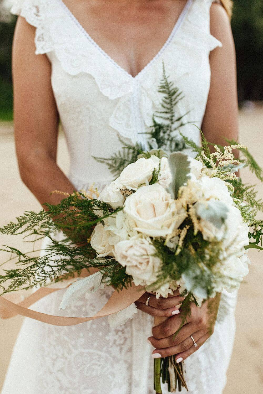 Magdalena palas suknia ślubna z pięknie wykończonym dekoltem p40 (2)