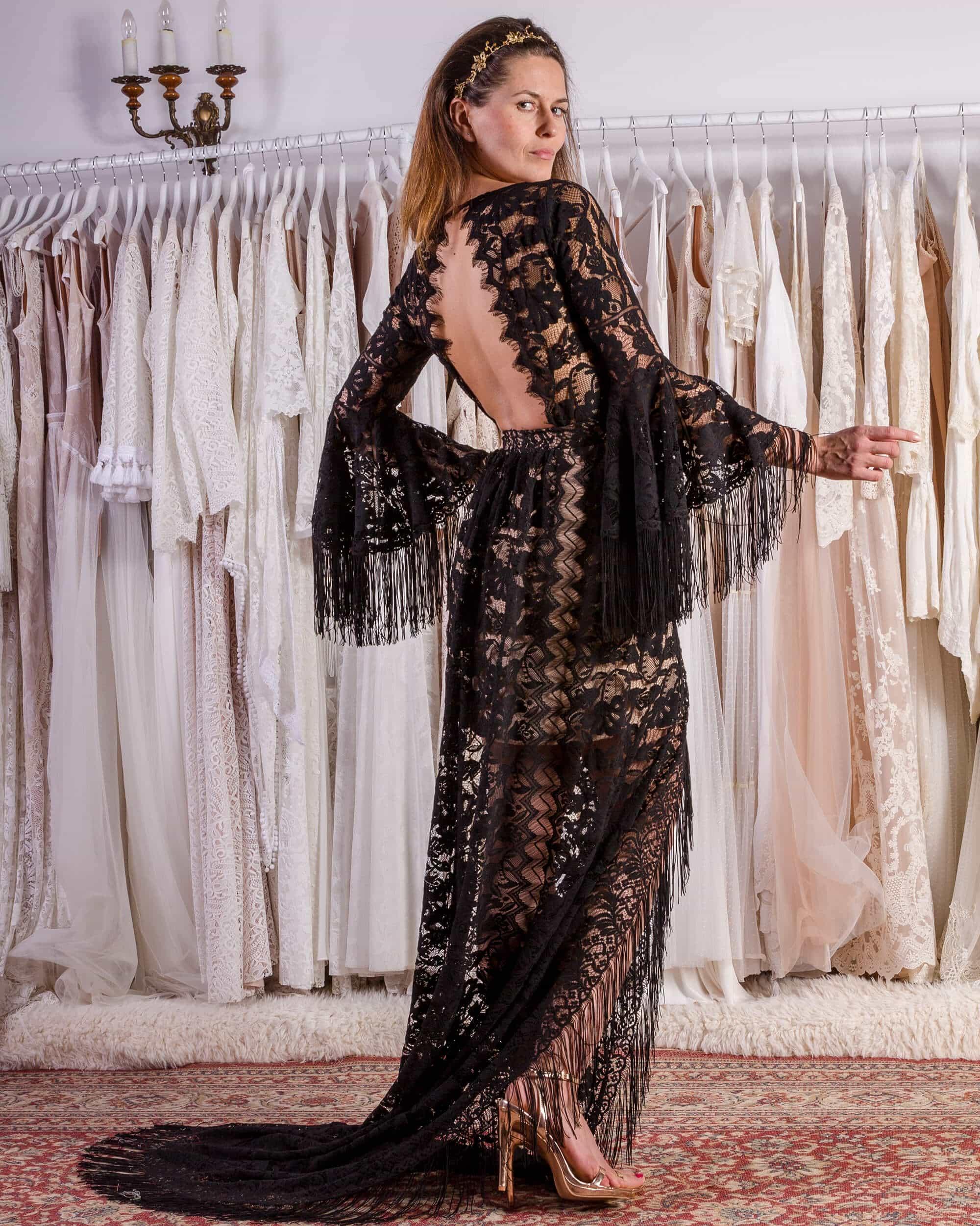 Zmysłowa, czarna suknia na ślub cywilny