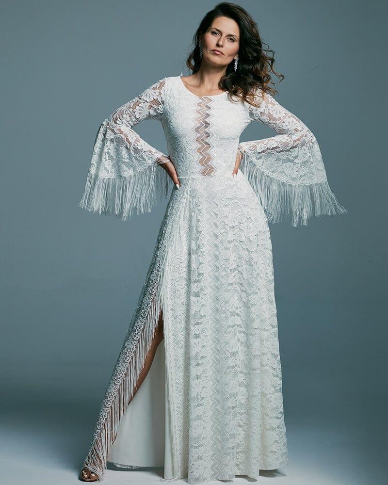 Biała suknia ślubna z frędzlami ze wzorzystej koronki bez dekoltu Porto 51 header Porto wedding dresses collection