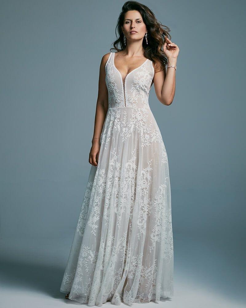Suknia ślubna dla odważnych pań wydłużająca sylwetkę Porto 48 header Porto wedding dresses collection