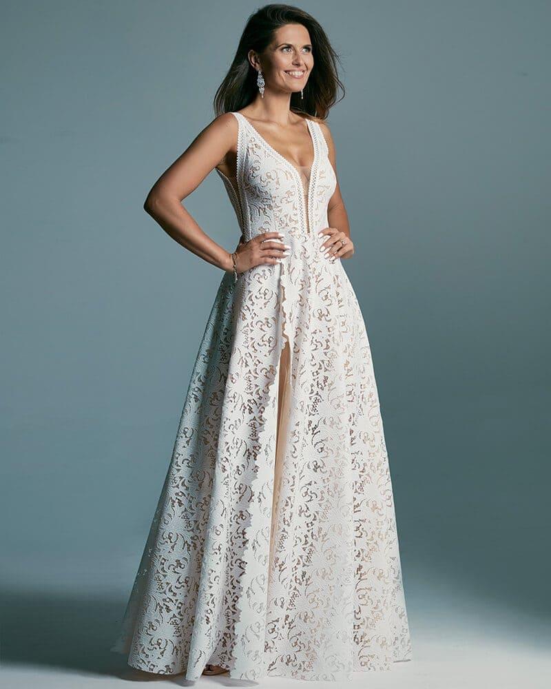 Suknia ślubna w kolorze białym z mocno odsłoniętymi plecami Santorini 1 header Santorini wedding dresses collection