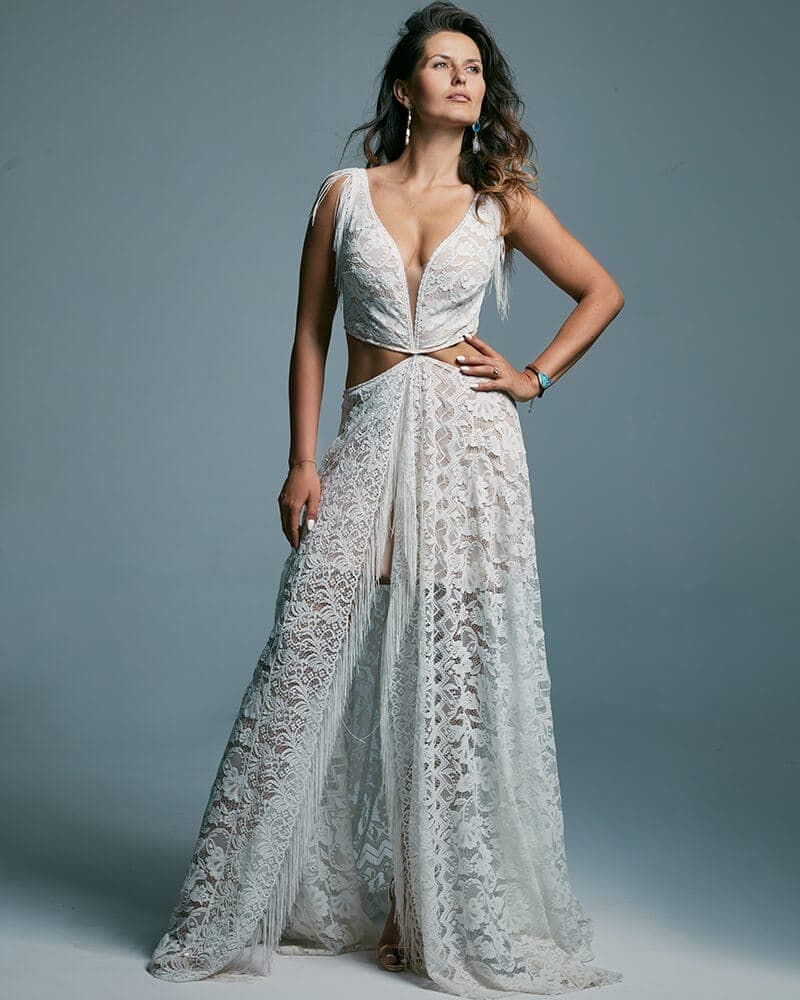 Wyjątkowa suknia ślubna dla fanek ślubu w plenerze Porto 43 header Porto wedding dresses collection