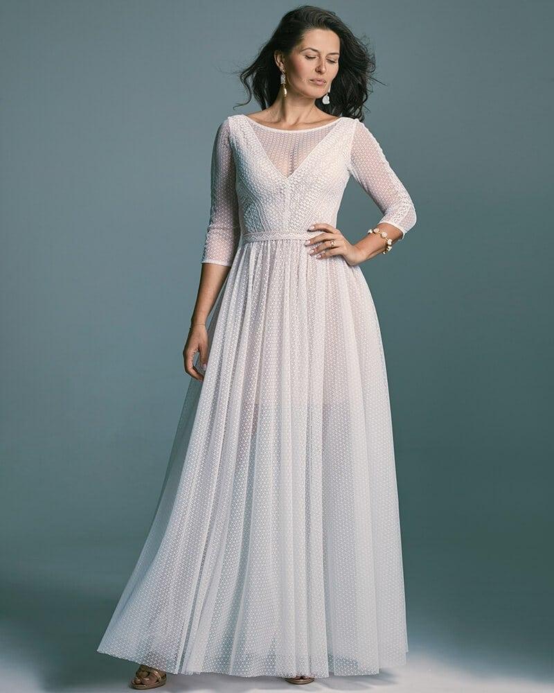 Zjawiskowa suknia ślubna z rękawem 34 z dzianinowej koronki Santorini 7 header Santorini wedding dresses collection