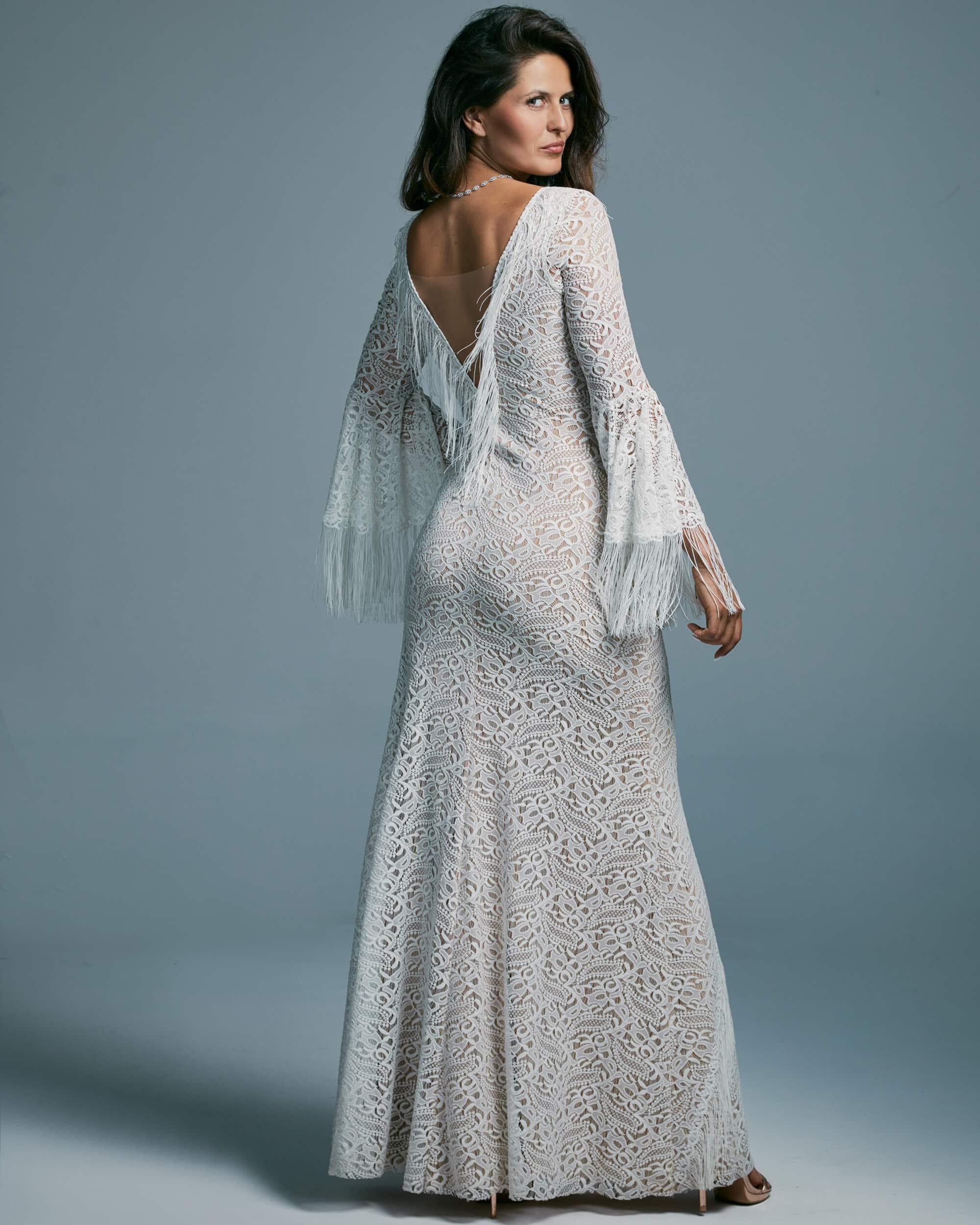 Zmysłowa suknia ślubna modelująca sylwetkę - Porto 46