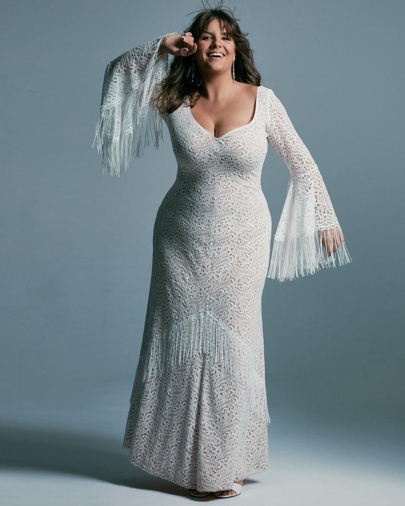 Suknia ślubna plus size modelująca figurę