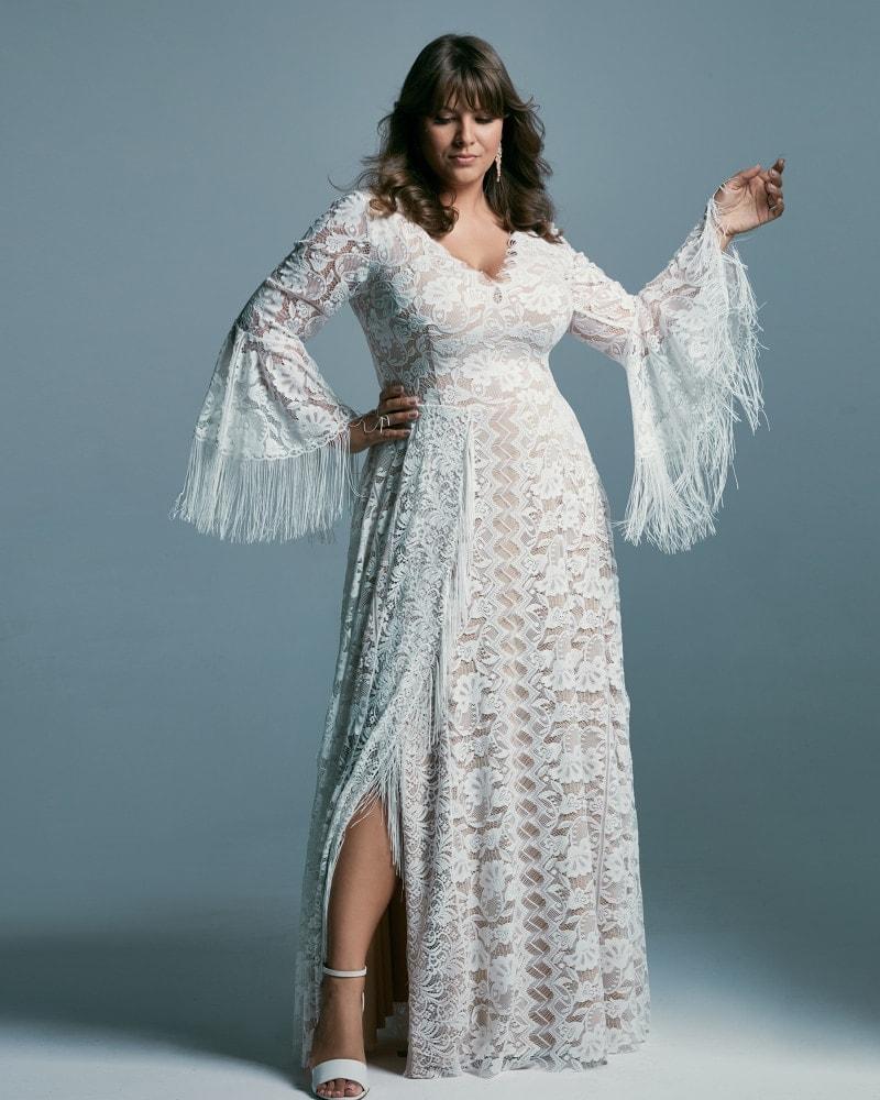 suknia ślubna plus size z dekoltem V Porto 44 2 The Boho Dresses perfect wedding dresses