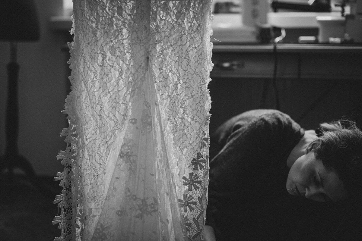 przymiarki sukni ślubnej Sew your dress with the designer in one day